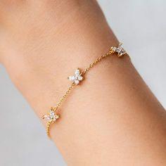 Simple Jewelry, Cute Jewelry, Jewelry Accessories, Jewelry Design, Jewelry Box, Dainty Jewelry, Jewelry Stores, Designer Jewelry, Jewelry Findings