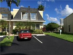 #Spacious #waterfront #townhouse for sale in #Hallandale #Florida See more at http://actvra.in/48Tx