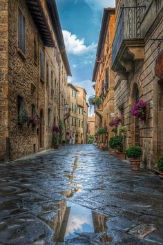 Rainy Day, Tuscany, Italy photo via lilas Places Around The World, Oh The Places You'll Go, Places To Travel, Places To Visit, Around The Worlds, Siena Toscana, Wonderful Places, Beautiful Places, Emilia Romagna