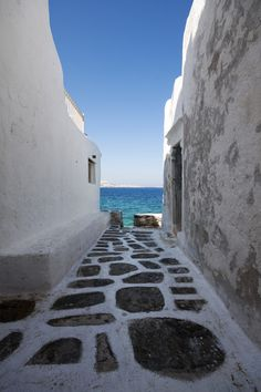 This is my Greece | Passage to the sea on Mykonos island, Cyclades