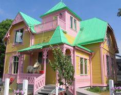 :) Pippi Longstocking House (Villa Villekulla) in Gotland island, Sweden Children's Films, Pippi Longstocking, Pink Houses, Colorful Houses, Victorian Homes, East Coast, House Colors, Villas, Beautiful Places