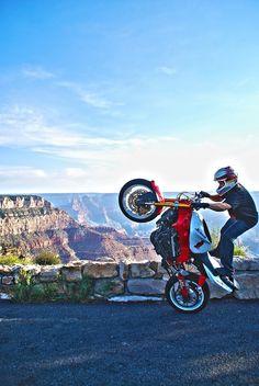 Outdoor bike stunt'n
