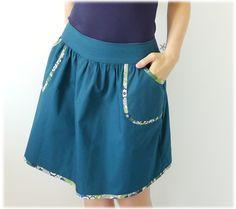 Voilà de quoi confectionner des vêtements à vos mesures, mesdames, et avec les tissus de votre choix!