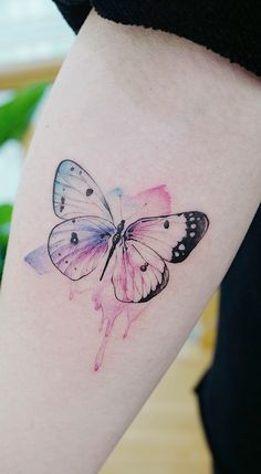 6 Tattoo Designs To Get Over Heartbreak In Who said getting a tattoo to m. - 6 Tattoo Designs To Get Over Heartbreak In Who said getting a tattoo to mark a difficult mom - Butterfly Wing Tattoo, Butterfly Tattoos For Women, Butterfly Tattoo Designs, Tattoos For Women Small, Small Tattoos, Mini Tattoos, Cute Tattoos, Beautiful Tattoos, Body Art Tattoos