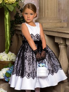 Where are my kid designers. Comman see how you can use our chantilly lace trim on a princess's dress. Isn't it lovely. Fashion Kids, Little Girl Fashion, Little Girl Dresses, Girls Dresses, Flower Girl Dresses, Toddler Dress, Baby Dress, Dress Anak, Kind Mode