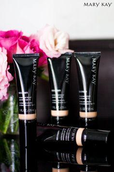 O CC Cream Multibenefícios FPS 15 funciona como maquiagem para imperfeições, dando um aspecto saudável e um tom uniforme à pele. Cadastre-se em Minha MK e saiba mais www.marykay.com.br/janacarvalho