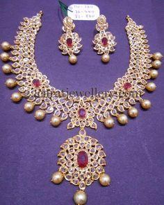 Jewellery Designs: 110gms Tremendous Pachi Set