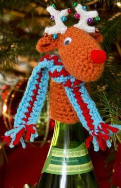 Fa-la-la-la-Reindeer Bottle Top Free Crochet Pattern from Red Heart Yarns