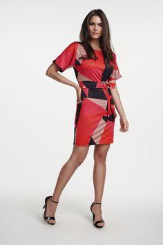 A estampa geométrica é clássica e nunca sai de moda! #VemProvar Ideias Fashion, Cold Shoulder Dress, Dresses, Low Cut Dresses, Neckline, Shades, Maxi Dresses, Vestidos, Dress
