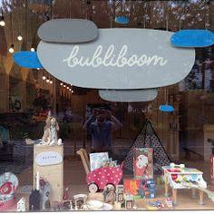 Bubliboom – Fotky Store Windows, Business Help, Display, Table Decorations, Display Cases, Floor Space, Billboard, Shop Windows, Window Displays