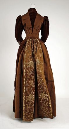 Visiting dress James McCreary and Co., N.Y.聽 (American) Date: ca. 1889