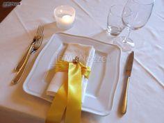 segnaposto matrimonio giallo