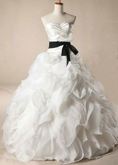 Hey, I found this really awesome Etsy listing at http://www.etsy.com/listing/169201046/sweetheart-long-organza-wedding-dress