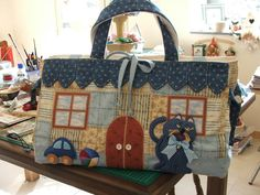 Trendy Sewing Bags And Purses Lunch Tote Patchwork Bags, Quilted Bag, Craft Bags, Embroidered Bag, Fabric Bags, Bag Organization, Applique Quilts, Cloth Bags, Beautiful Bags
