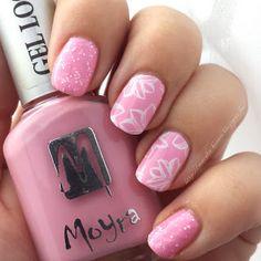 moyra sea salt stamped nail moyou flower power babypink white nailart