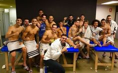 Real Madrid players came together in the dressing room for a celebratory photo after there draw against rivals Barcelona. Sergio Ramos, the man who scored the equalising goal decided Real Madrid Players, White Underwear, Best Football Team, Football Soccer, Beauty Around The World, James Rodriguez, New Romantics, European Football, Cristiano Ronaldo
