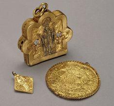 Reliquary Pendant  English Date: 15th century Material: Gold, enamel British Museum