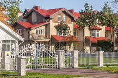 projekty gotowe Mansions, House Styles, Home Decor, Decoration Home, Manor Houses, Room Decor, Villas, Mansion, Home Interior Design