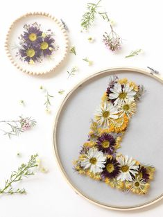 Pressed Floral Hoops The beauty about pressed flowers is that you can make them . Pressed Floral H Dried And Pressed Flowers, Pressed Flower Art, Flower Crafts, Diy Flowers, Press Flowers, Floral Flowers, How To Dry Flowers, Yellow Flowers, Handmade Home