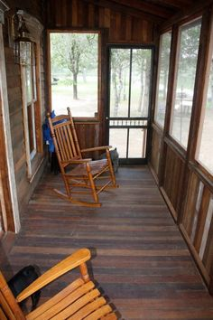 Tiny Texas Houses - screened in porch