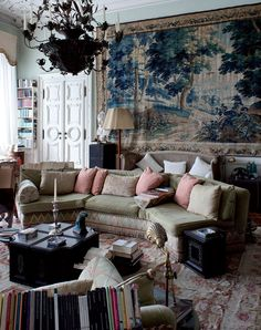 This cozy lounge is housed in a 19th-century neoclassical residence built by Russian Prince Dolgorouky. The lived-in atmosphere is achieved thanks to a collection of furniture and objects from different parts of the globe: a large Flemish tapestry on the wall, a French Aubusson Empire carpet, and original Russian parquet floors.
