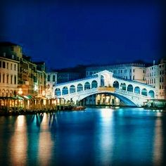 The canals of Venice are SO romantic Luxury, Beautiful Travel http://amp.gs/pU1D