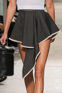 Piernas bonitas en shorts o minifalda (I)