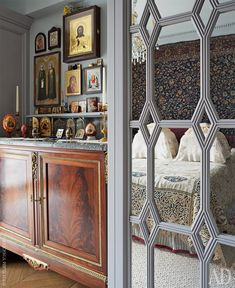 French antique dresser formerly belonged to the genus of Prince Obolensky; built-in wardrobes are made on the sketches Istomin and manufactured in Moscow. Russian Architecture, Architecture Old, Exterior Design, Interior And Exterior, Interior Styling, Interior Decorating, Prayer Corner, Classic Window, Home Altar
