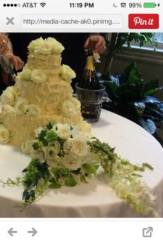 Cake with white dove roses