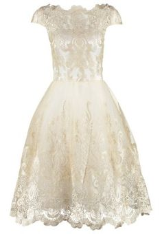 Kein Kleid ist entzückender, als dieses hier. Chi Chi London Cocktailkleid / festliches Kleid - white/gold für 89,95 € (26.03.16) versandkostenfrei bei Zalando bestellen.