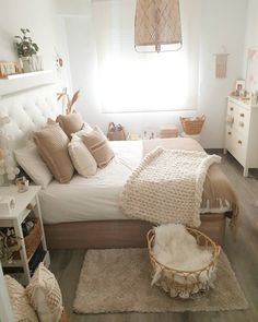 Hi How nice is this bedroom of with sweet caramel colors Wishing you all a peaceful. Cute Bedroom Ideas, Girl Bedroom Designs, Room Ideas Bedroom, Small Room Bedroom, Home Decor Bedroom, Classy Bedroom Decor, Nice Bedrooms, Bedroom Inspo, Bedroom Inspiration