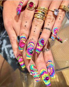 Dope Nails, Swag Nails, Fun Nails, Crazy Nails, Hippie Nails, Hippie Nail Art, Jolie Nail Art, Tie Dye Nails, Witchy Nails
