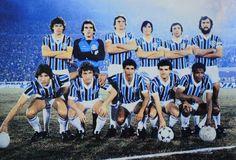 GRÊMIO CAMPEÃO DA LIBERTADORES DE 1983 -Em pé: Paulo Roberto, Mazaropi, Baidek, China, Casemiro e De León; Agachados: Renato Gaúcho, Osvaldo, Caio, Tita e Tarciso (Foto: Arquivo Conmebol)