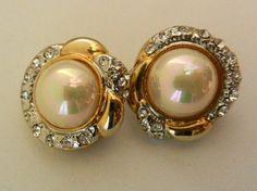 Elegant vintage 1960  beautiful designer earrings by RAKcreations