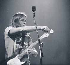 David Gilmour tuning his Strat 1971