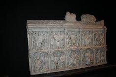 Sarcofago di Giunio Basso, IV secolo a.C. Sarcofago con scene cristiane, a tutto tondo. Oggi è conservato nel Museo del Tesoro di San Pietro, in Vaticano.