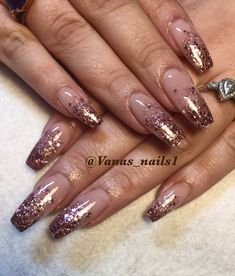 Nude and glitter ombré nails art coffin