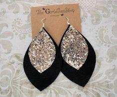 Diy Leather Earrings, White Earrings, Leaf Earrings, Diy Earrings, Leather Jewelry, Statement Earrings, Teardrop Earrings, Cute Jewelry, Jewelry Crafts