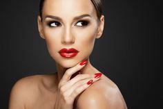 3hr MAC Makeup Masterclass & Gift - 22 Locations!