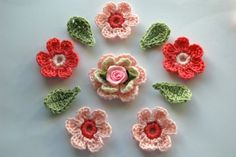 "Crocheting Club...Lots of free pattern for ""Crochet Flowers""! •✿•  Teresa Restegui http://www.pinterest.com/teretegui/ •✿•"
