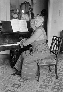 Expertos en la materia a nivel mundial, afirman que Teresa Carreño fue una persona prodigio en el piano. El principal Teatro de Venezuela lleva su nombre. #Biografía #GEMED.