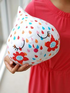 TUTORIAL: Make your own super-cute raindrop softie with Lisa Tilse's step-by-step tutorial and free sewing pattern.