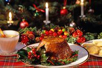 Plum pudding is a traditional Irish cake served with brandy sauce on Christmas Eve. Traditional Christmas Dinner, Christmas Eve Dinner, Christmas Foods, Diy Christmas, Merry Christmas, Christmas In Ireland, Celtic Christmas, Irish Christmas Traditions, Irish Traditions