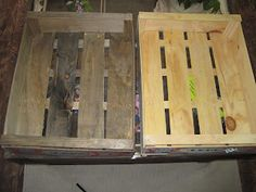 aging wood - also says try pennies in vinegar to make it blue-gray.
