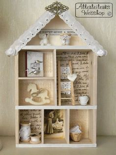 letterbak vintage - an idea for your old dollhouse. Vitrine Miniature, Miniature Rooms, Diy Shadow Box, Shadow Box Frames, Muñeca Diy, Christmas Shadow Boxes, Papel Scrapbook, Box Houses, Rustic Crafts
