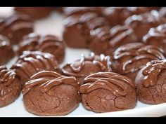 حلويات سهلة و سريعة التحضير ب 5 وصفات مختلفة مع رباح محمد - YouTube Chocolate World, Cookies, Cake, Desserts, Youtube, Food, Recipes, Crack Crackers, Tailgate Desserts