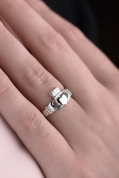 Silver Claddagh Ring | Handmade in Ireland | Claddagh Design