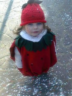 Strawberry Costume - this is just adorable! Strawberry Costume, Crochet Strawberry, Kids Dress Up, Carnival Costumes, Little Girls, Winter Hats, Crochet Hats, Halloween, Outfits