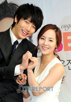 I love reporting happiness news and there is none sweeter in entertainment than a star couple I adore welcoming a little bundle of joy. Long time married acting couple Eugene and Ki Tae Young welcomed their first child on April … Continue reading → Korean Celebrity Couples, Korean Celebrities, Ki Tae Young, Eugene Kim, Wedding Couples, Married Couples, Pretty Asian Girl, We Get Married, Korean Wave