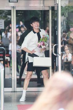 박보검 160617 [ 출처 : 로고 ] Park Bo Gum Cute, Park Bo Gum Wallpaper, Lee Je Hoon, Park Go Bum, Handsome Asian Men, Asian Men Fashion, Cute Korean Boys, Korean Guys, Cute Anime Wallpaper